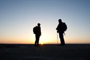 Wanderer und Wanderstöcke